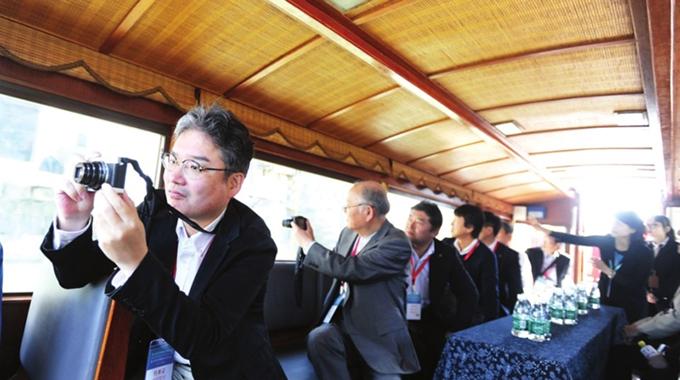 中日韩旅游业代表考察苏州旅游资源